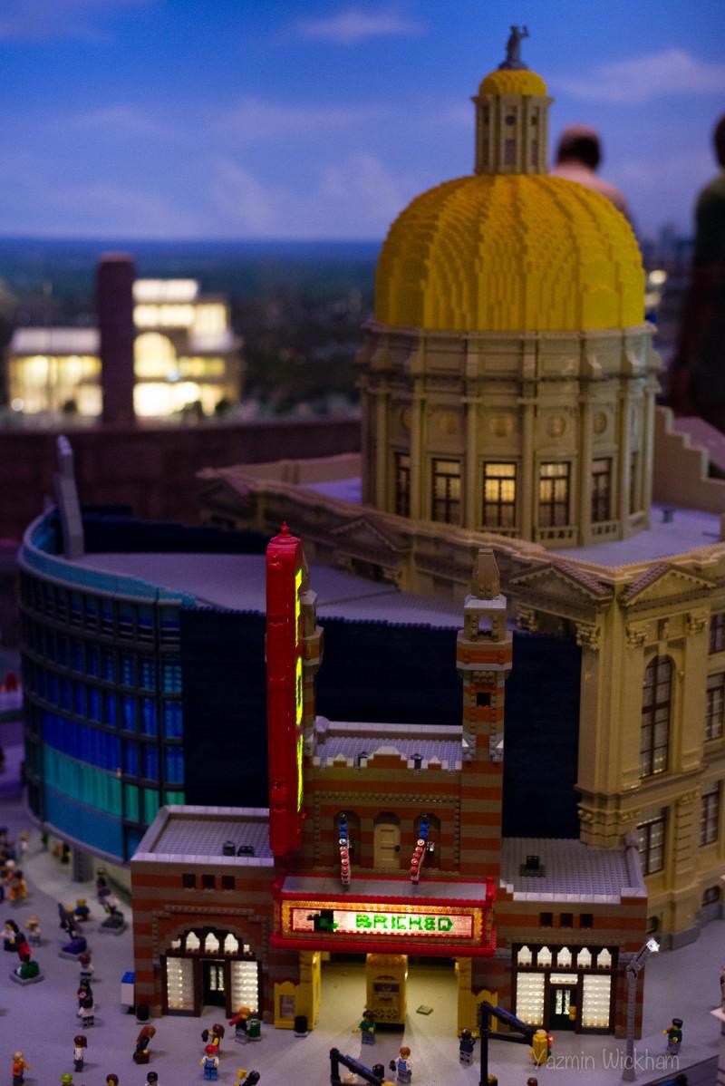 {216/365} LEGO amazement